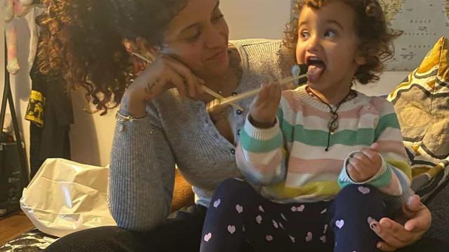 Blaya Rodrigues 'derrete' fãs com vídeo da filha