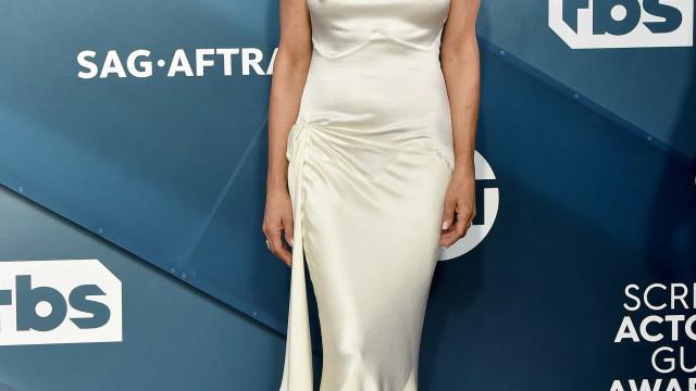 É possível recriar look de Jennifer Aniston nos SAGA com versão low cost