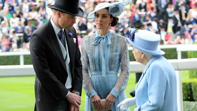 Príncipe William promovido. Rainha Isabel II atribui novo título ao neto