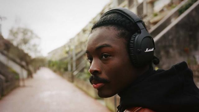 Os novos headphones da Marshall têm uma útil funcionalidade