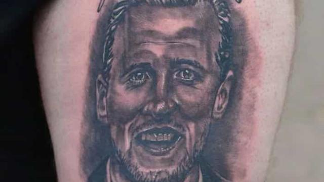 Quando os adeptos celebram e fazem tatuagens... cedo demais