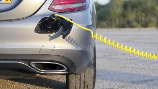 Empresa portuguesa desenvolve carregador móvel para carros elétricos