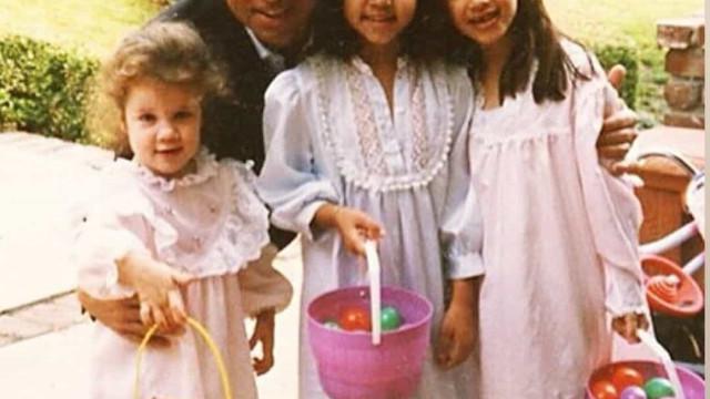 Irmãs Kardashian recordam o pai com fotos nunca antes vistas da família
