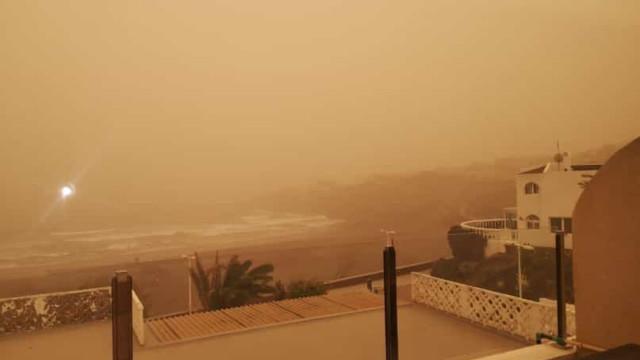 Vídeo: Ilhas Canárias cobertas por impressionante tempestade de areia