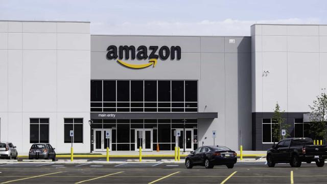 "Amazon ""mete medo"", admite primeiro trabalhador da empresa"