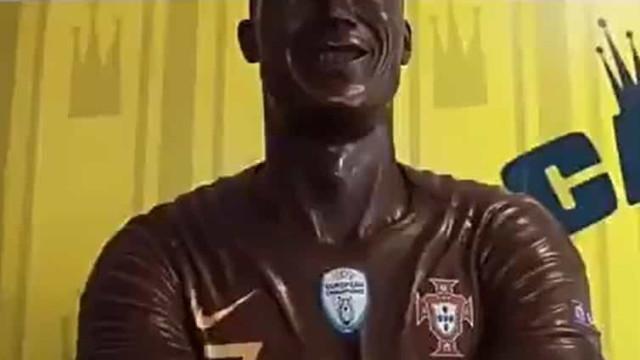 Já imaginou um Cristiano Ronaldo feito de chocolate? Tornou-se realidade