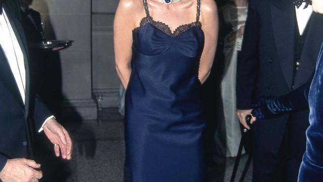 Recorda-se do look sensual que a princesa Diana usou na Met Gala?