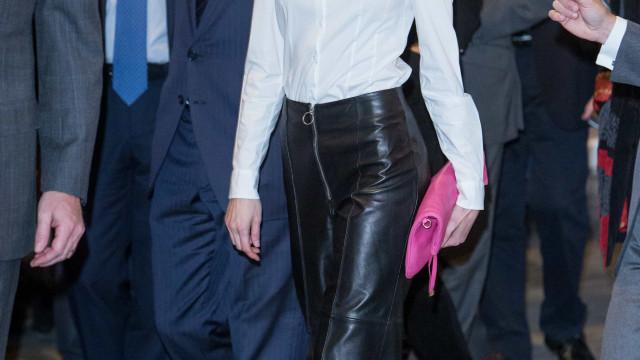 Pode recriar este look da rainha Letizia por menos de 80 euros