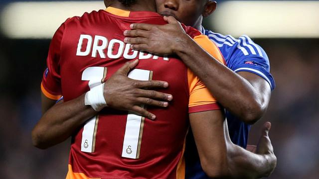 """Eto'o e Drogba arrasam médicos e defendem África: """"Filhos da p***"""""""