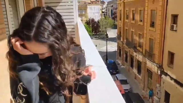 Após 20 dias fora de casa, bombeiro faz esta surpresa emotiva à filha