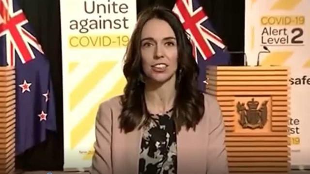Sismo surpreende primeira-ministra neozelandesa durante entrevista