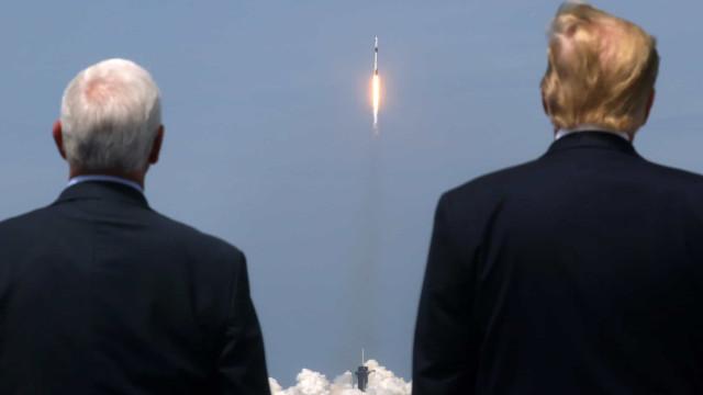 As imagens do lançamento histórico da SpaceX