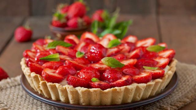 Aprenda a preparar uma deliciosa e fresquinha tarte de morango