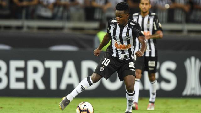Atlético Mineiro: Jogador deu festas, foi multado e apanhou Covid-19