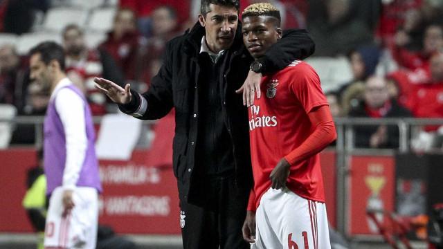 """Dois portugueses entre as """"dez estrelas do futuro"""" do futebol mundial"""