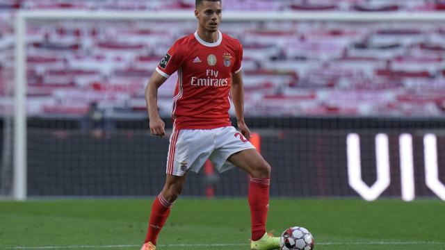 """Dortmund reage ao ataque ao autocarro do Benfica: """"As melhoras, Jule!"""""""