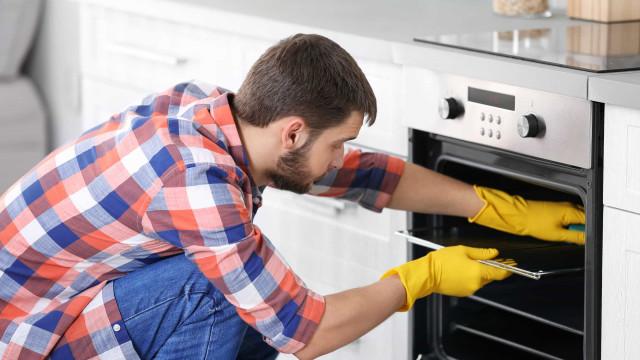 Limpar o forno é fácil! Só precisa de bicarbonato e...