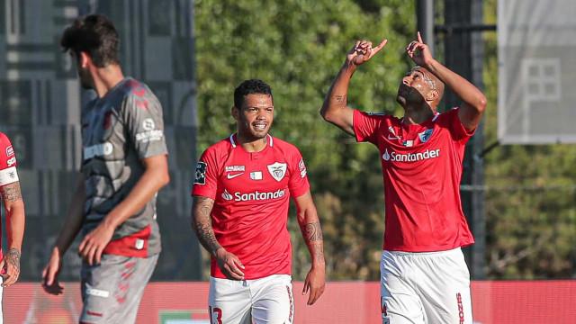 Sp. Braga perde na Cidade do Futebol e não se afasta do Sporting
