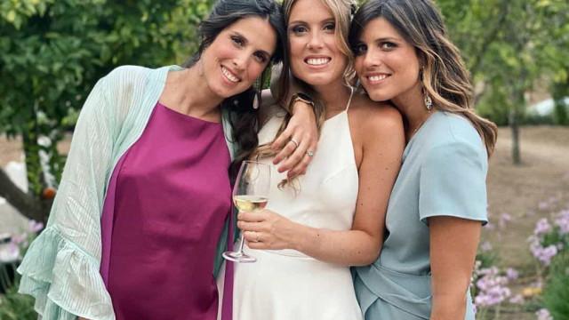 """""""Um casamento diferente"""". Irmã de Inês Folque deu o nó este fim de semana"""