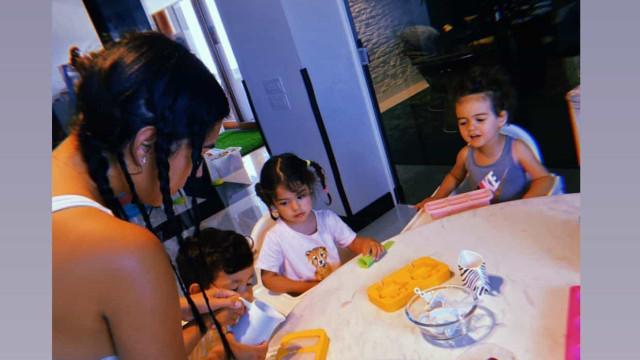 Georgina Rodríguez em tarde divertida a fazer gelados com os filhos