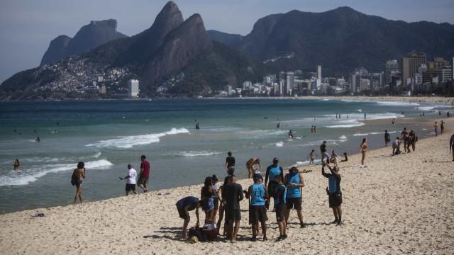AO MINUTO: Mais 631 mortes em 24 horas no Brasil; Espanha reforça medidas