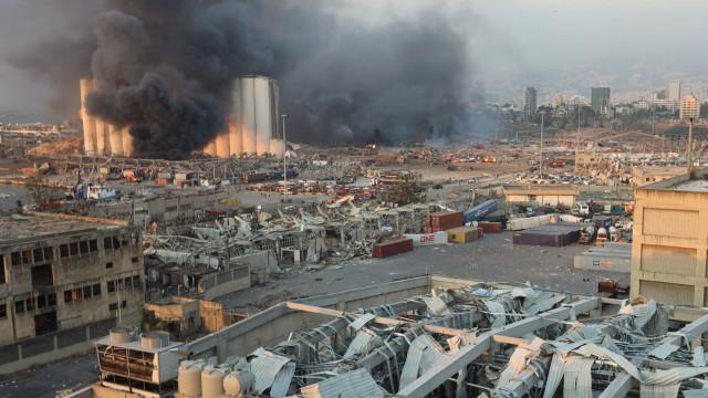 Mais de 30 mortos e milhares de feridos após explosões em Beirute