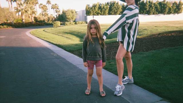 """""""Não estou bem"""", diz Kourtney Kardashian sobre mudança radical do filho"""