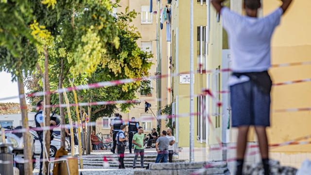 Quatro baleados em desordem no Bairro Padre Cruz em Lisboa
