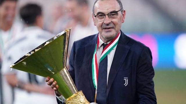 """""""Grazie, Mister"""". Foi assim que a Juventus se despediu de Sarri"""