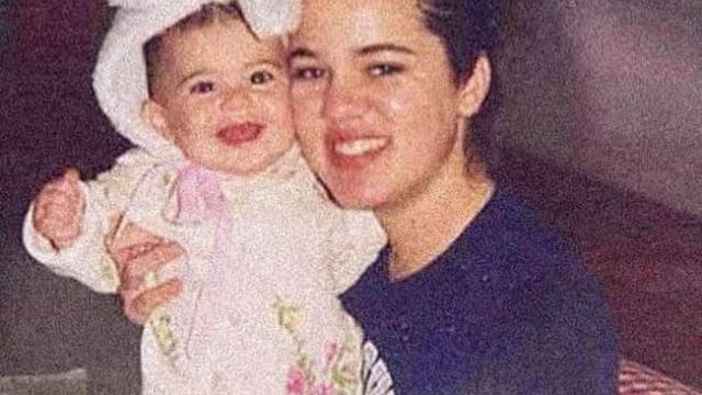 Khloé Kardashian partilha fotos únicas de infância com Kylie Jenner
