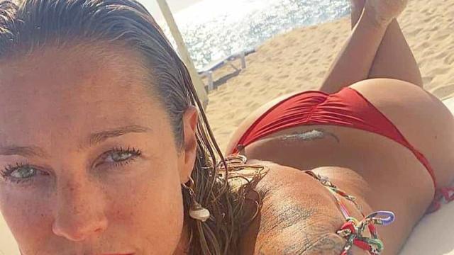Luana Piovani faz furor com fotografias de topless em Ibiza