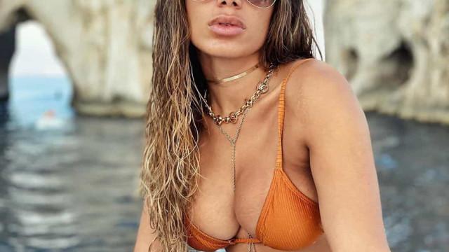 Anitta de férias em Itália. Cantora partilha fotos com biquíni atrevido