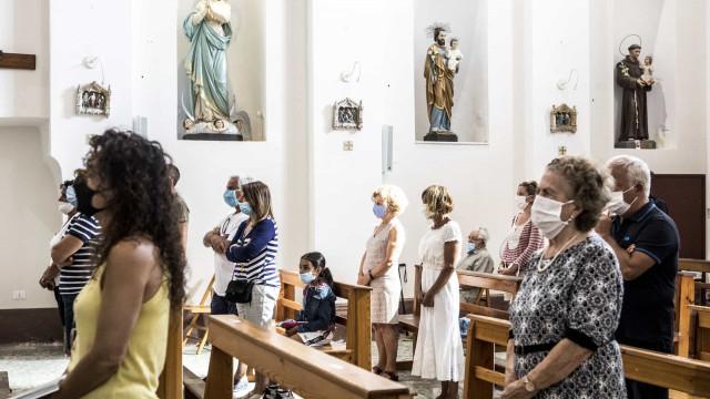 Padre infetado em Viana do Castelo pede a fiéis para estarem atentos