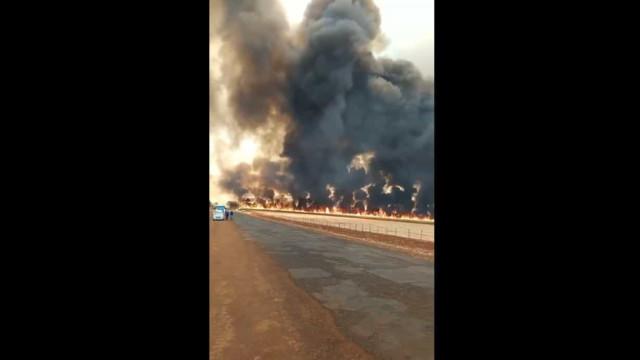 Incêndio de grandes dimensões assustou moradores no Brasil