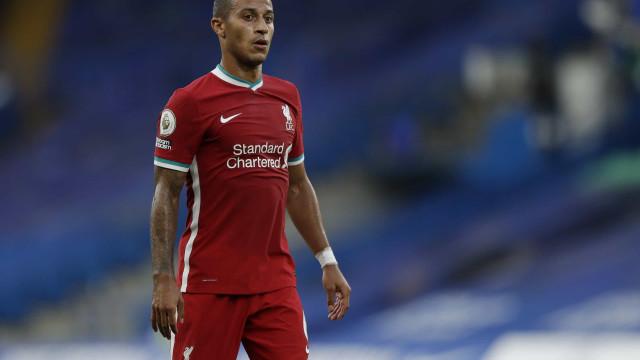 Da Bundesliga para Liverpool. Thiago segue 'herança'... mista