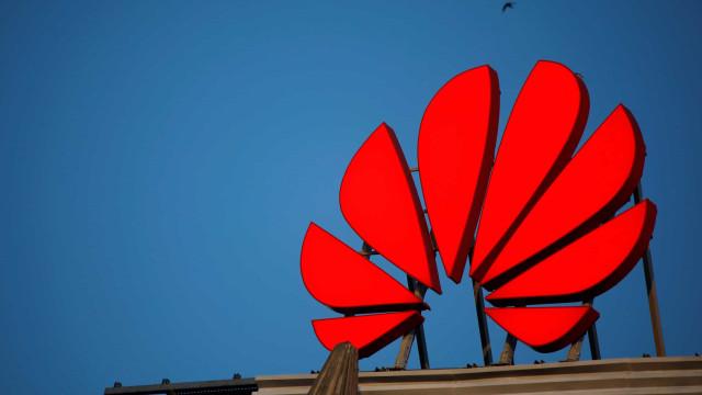 Huawei quer convencer rivais chinesas a afastarem-se do Android