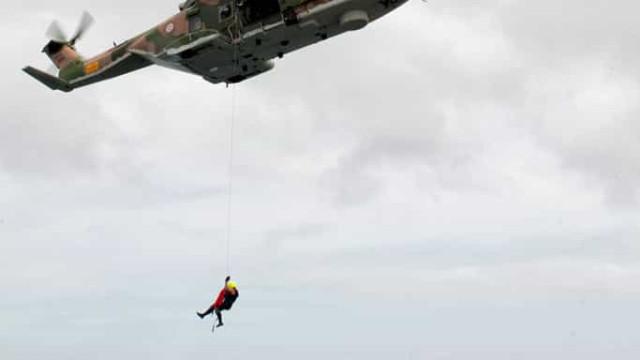 Resgatado passageiro de pesqueiro que precisava de assistência urgente