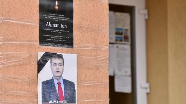 Autarca romeno eleito com maioria absoluta após morrer vítima de Covid-19