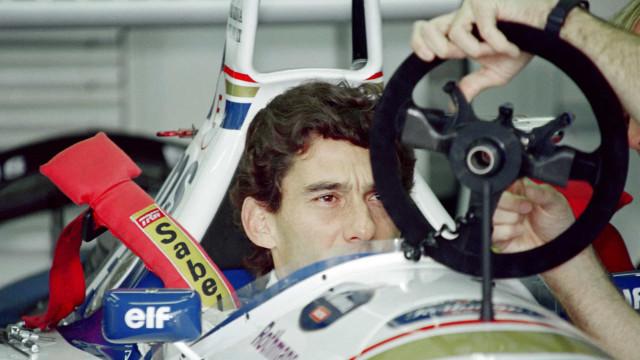 Último volante utilizado por Ayrton Senna está à venda
