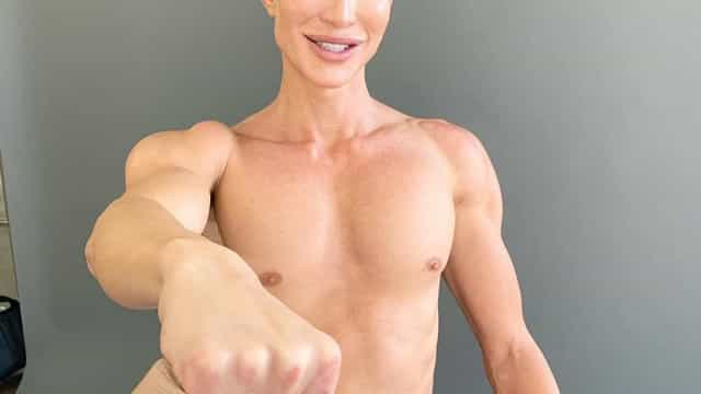 'Ken Humano' quer chegar às 1000 cirurgias plásticas ainda este ano
