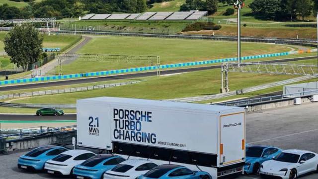 Porsche criou camião para recarregar o elétrico Taycan