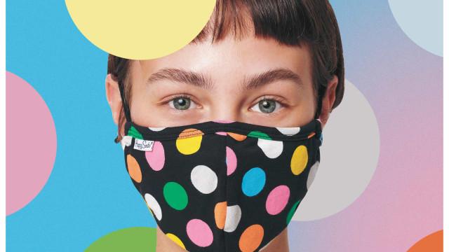 Happy Socks incentiva ao uso de máscara com propostas coloridas