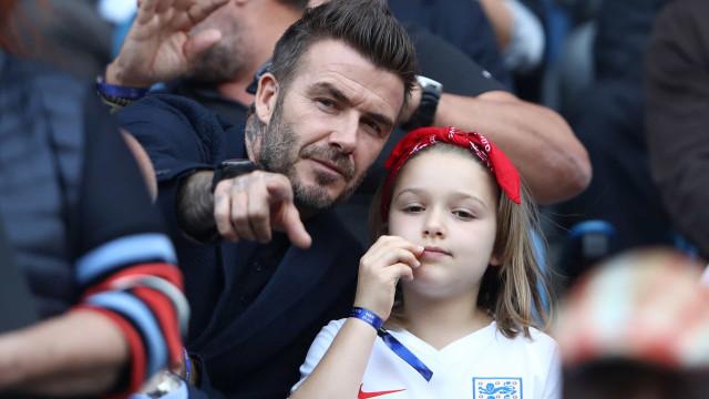 David Beckham gera controvérsia ao beijar filha na boca (outra vez)