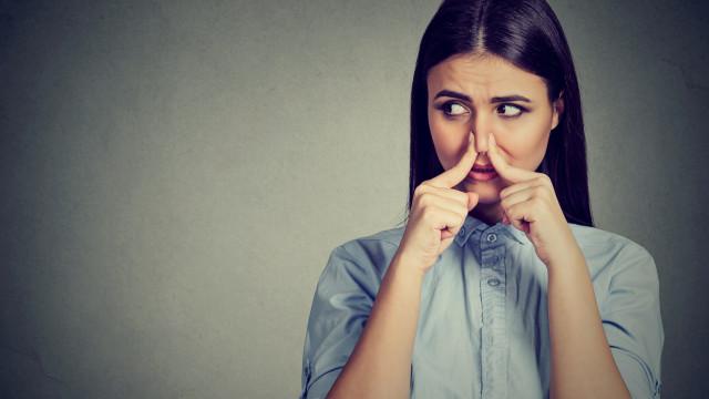 Somos o que comemos... Alimentos que fazem com que cheire mal