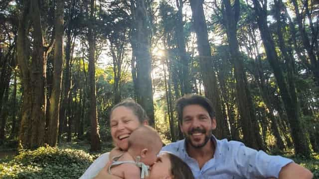 Filha de Jorge Corrula e Paula Lobo Antunes celebra oito anos