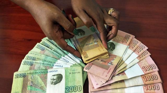 Vão ser precisos 695 kwanzas para comprar um dólar em 2021