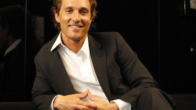 Filho de 12 anos é igual a Matthew McConaughey? Foto impressiona fãs
