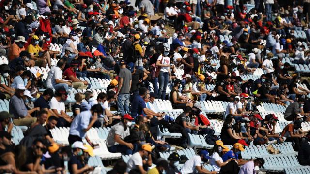 GP de Portugal gera polémica por falta de distanciamento e máscaras