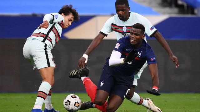 """Pogba desmente 'adeus' à seleção francesa: """"Estou chocado"""""""