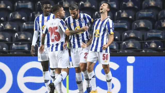 FC Porto com vitória suada num Dragão que voltou a ter 'barulho'